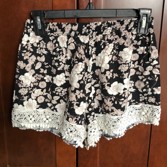 Abercrombie & Fitch floral shorts